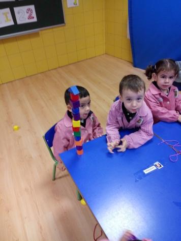 juego libre cuerdas y construcción